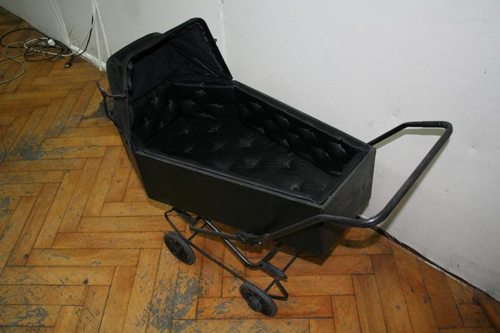 Coffin stroller