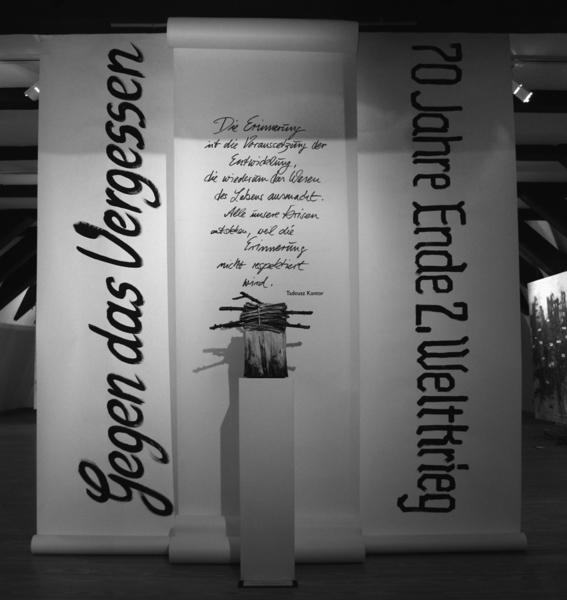 1 Gegen das Vergessen : 70 Jahre Kriegsende