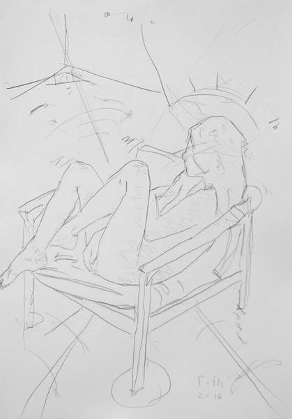 Unbekleidetes Kind, in Gartensessel  ruhend