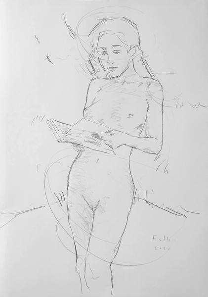 Unbekleidetes Mädchen, in einem Buch blätternd