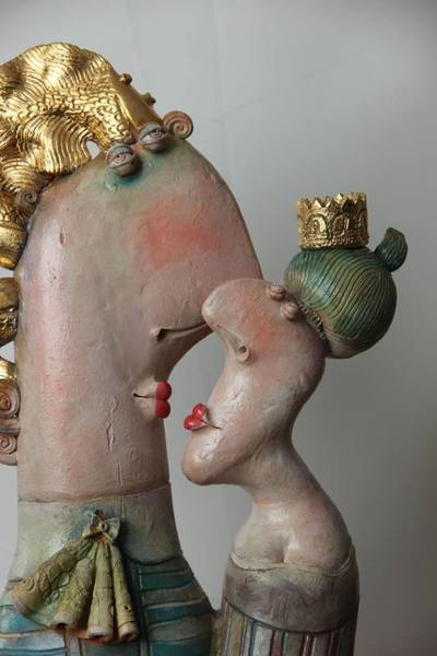 Alone with the Queen, ceramic sculpture