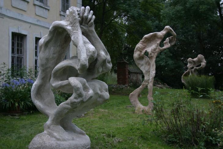 Großskulpturen im Park des Herrenhauses Kreckow