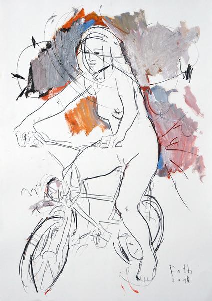 Radfahrerin an sonnigem Tag