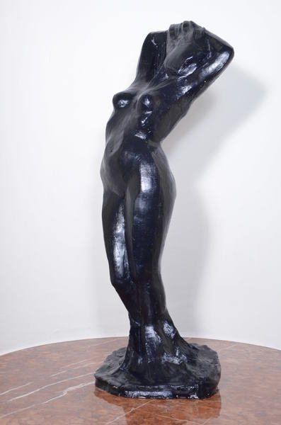 Aphrodite en noir