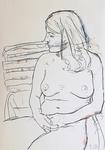 Frau, auf Gartenstuhl sitzend