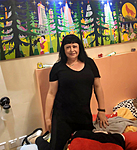 anat angel israeli art collector of naive painting raphael perez