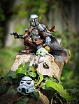 The Mandalorian & the Child (Stormtrooper helmet)