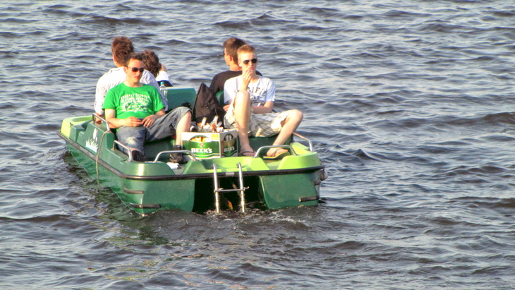 IMG_2252 - Why We Love Hamburg - Boys, Boat & Beck`s Beer