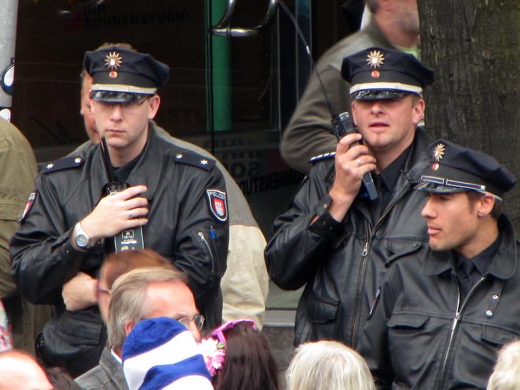 IMG_3574 - Schlagermove 2009 - Men At Work - Teamwork