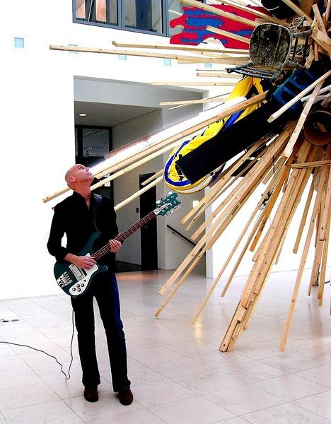 8 string bass guitar, sound check, GdG Hamburg, November 2005