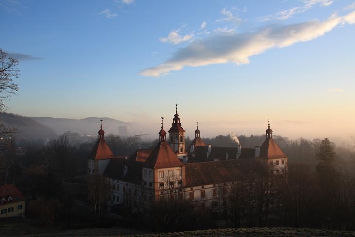 Schloss Eggenberg, 8 am CET, 28 Dec 2009