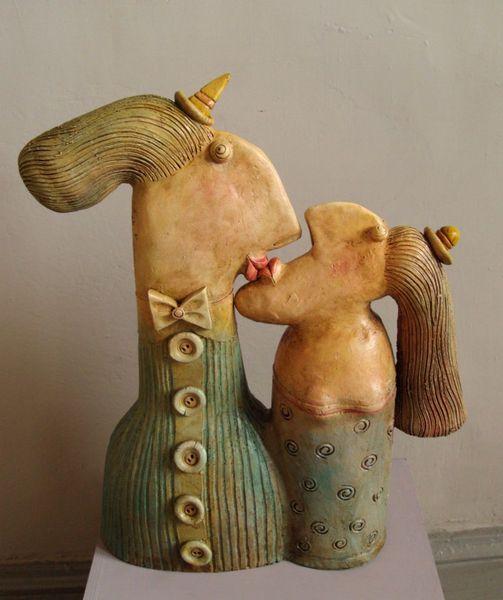 Kisses, ceramic sculpture