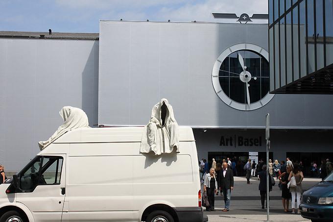 contemporary-art-basel-ghost-car-manfred-kielnhofer