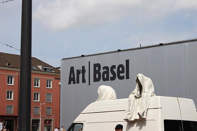 contemporary-artbasel-ghost-car-manfred-kielnhofer