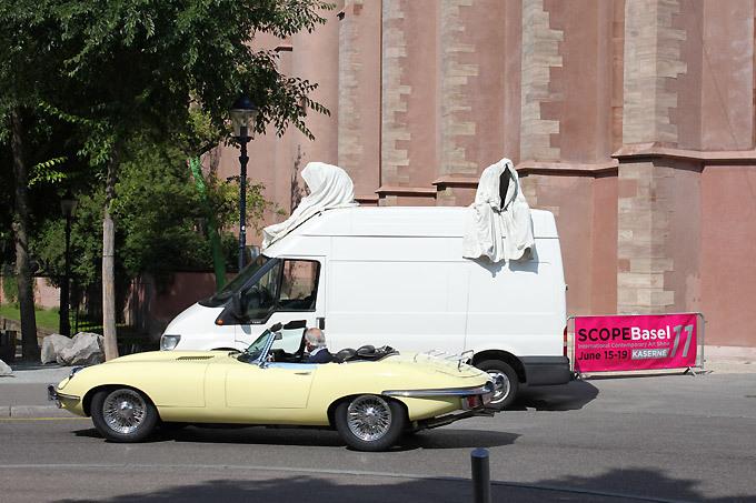 art-show-scope-basel-ghost-car-manfred-kielnhofer