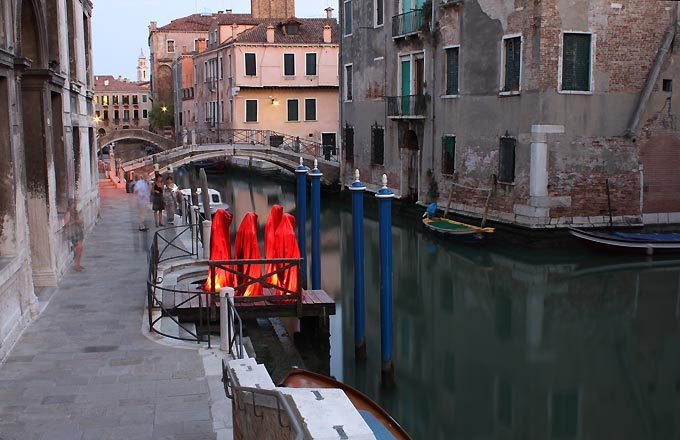 contemporary-art-biennale-show-project-venice-illuminations-manf