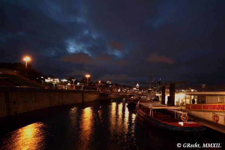 IMG_5090 - BIG CITY LIGHTS - HAMBURG HARBOUR AT NIGHT