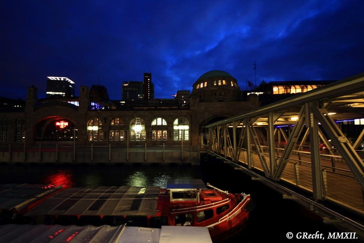 IMG_5102 - BIG CITY LIGHTS - HAMBURG HARBOUR AT NIGHT