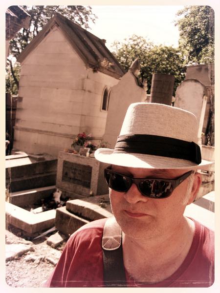 Grab von Jim Morrison, Père Lachaise, kurzer Besuch, Hitze